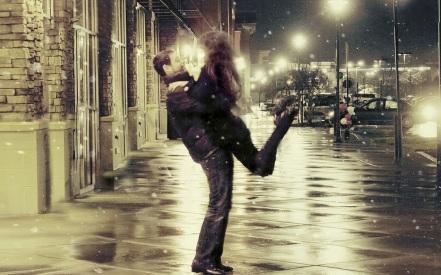 parejas-de-enamorados-alegres